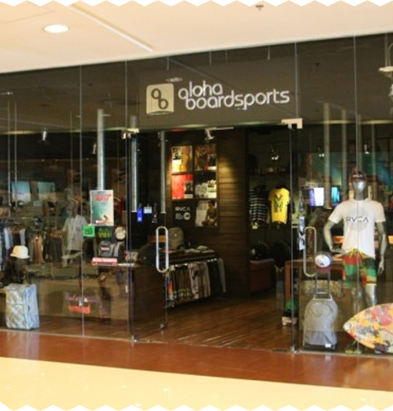 8 stores for travelers photo (4)