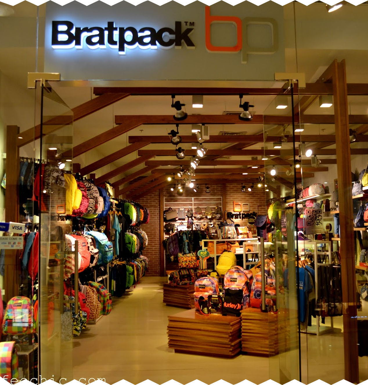8 stores for travelers photo (7)