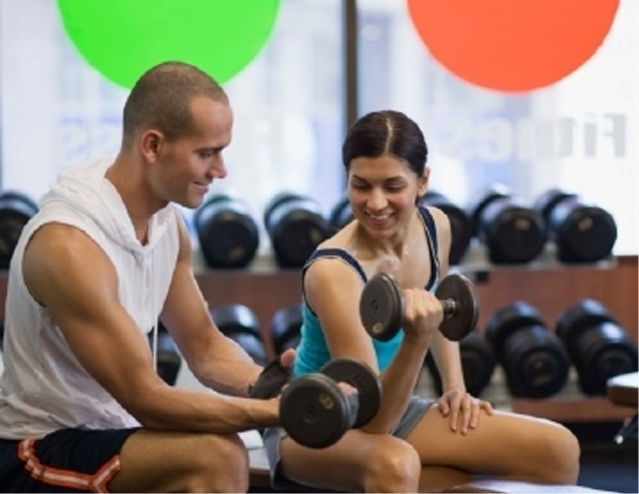 If you must flirt with someone in the gym, try doing it before you finish your workout-1V