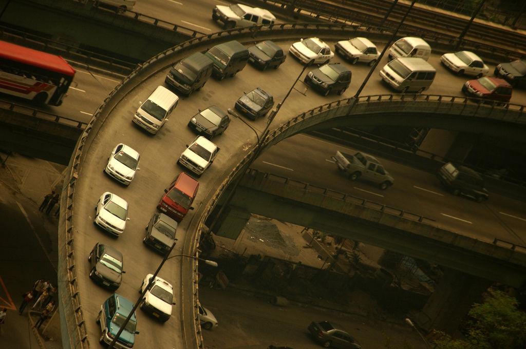 GTA-Manila-Narrow-Roads