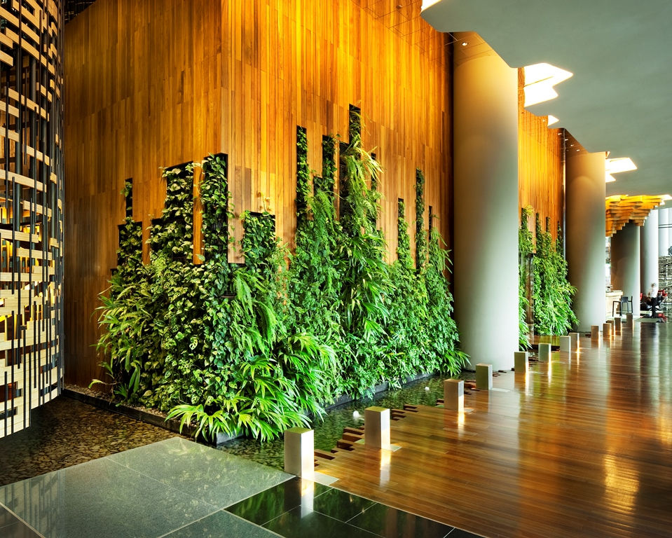 PARKROYAL on Pickering Singapore Interior_Hotel Lobby_Living Wall_Photo Credit; Patrick Bingham Hall